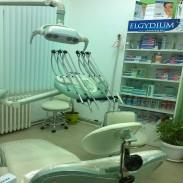 Стоматолог Стражица  спешен кабинет Стражица - д-р Руси Захариев