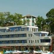Тризвезден хотел на море - Рибарска среща